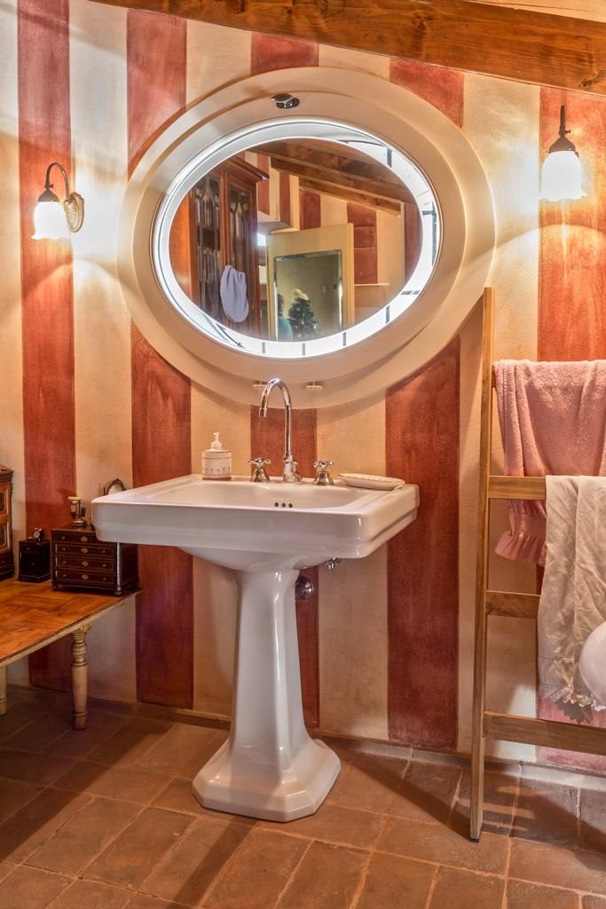 Finestre in legno calastrucci falegnameria artigianale for Finestra tonda
