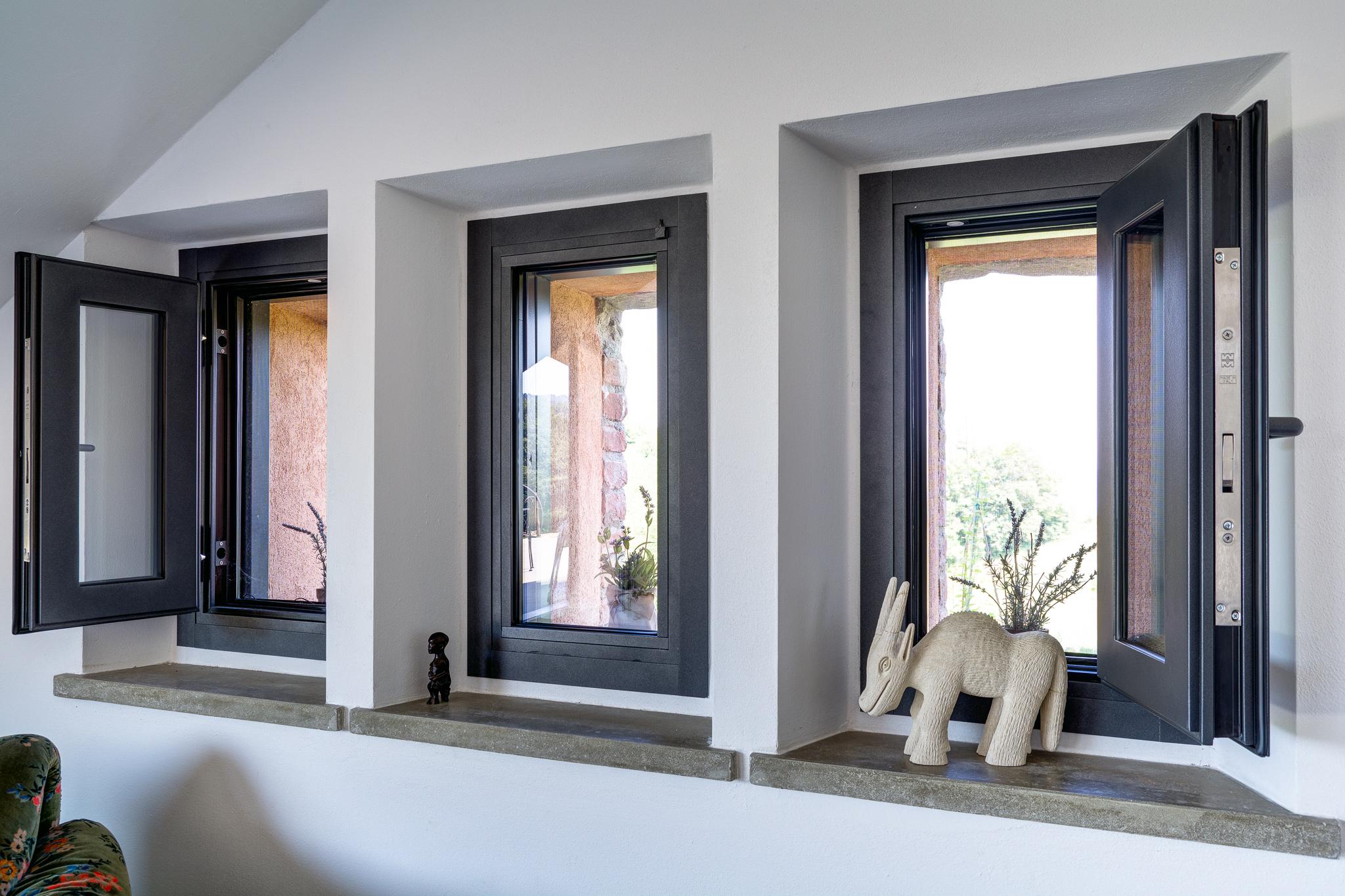 Le nostre finestre blindate calastrucci falegnameria for Finestre velux blindate